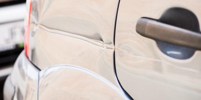 Blechschaden am Auto