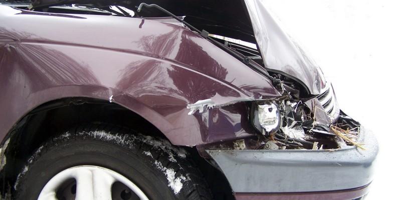 Auto mit schwerem Schaden