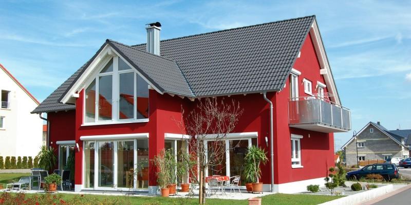 Rotes Einfamilienhaus